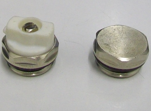 Radiator Directional Bleed Valve Vent And End Cap 07000071 2 Plumbers Mate Ltd